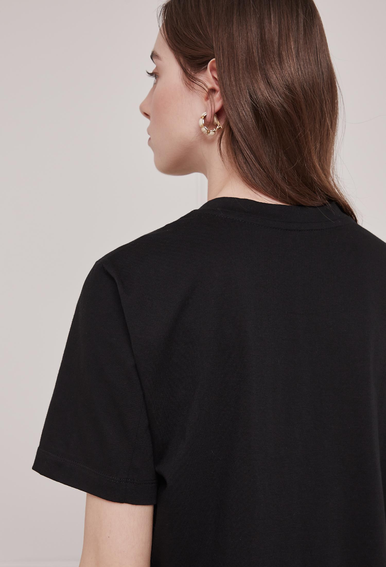 코튼 레터링 자수 티셔츠 (BLACK)