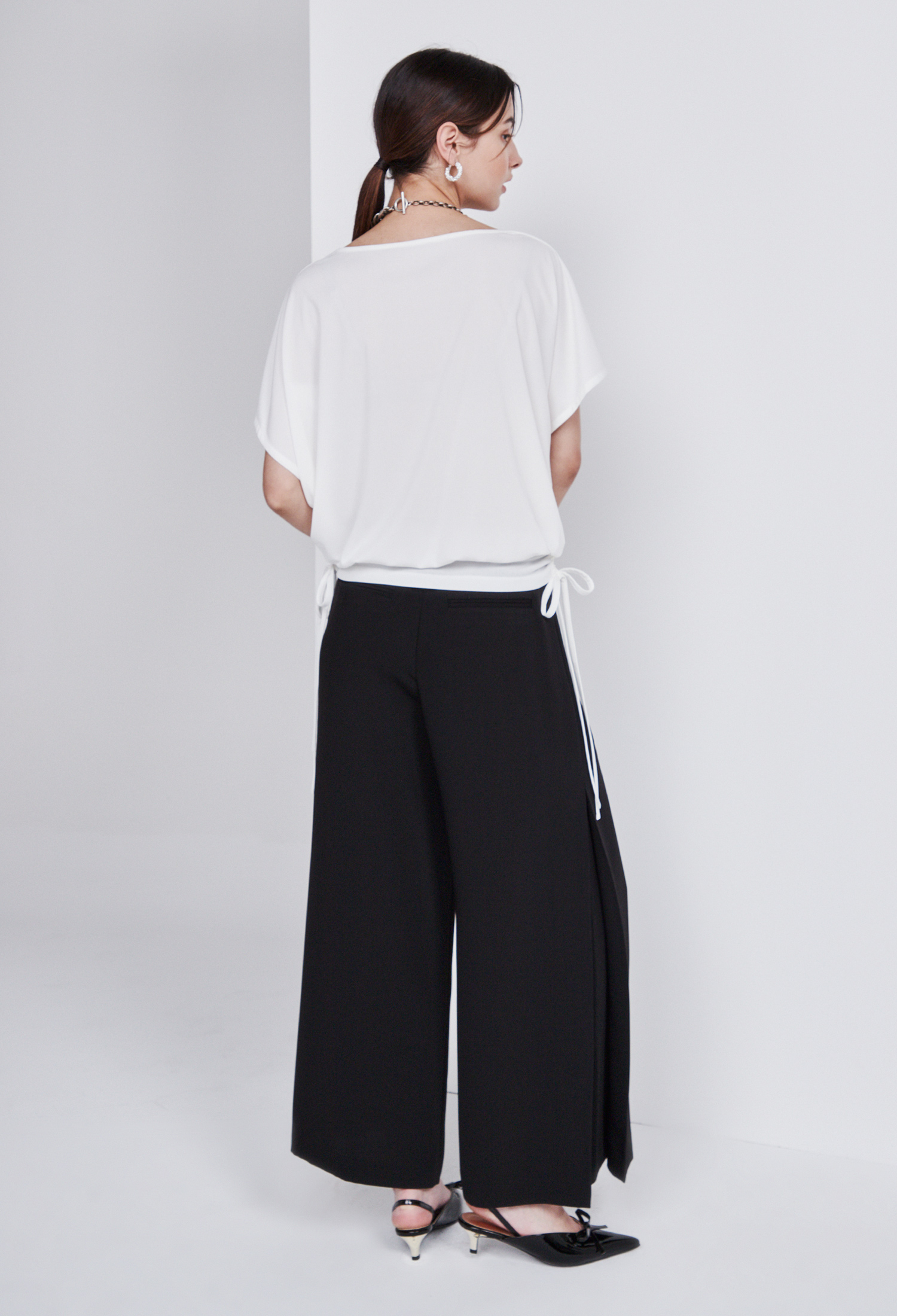 셔링 스트링 티셔츠 (WHITE)