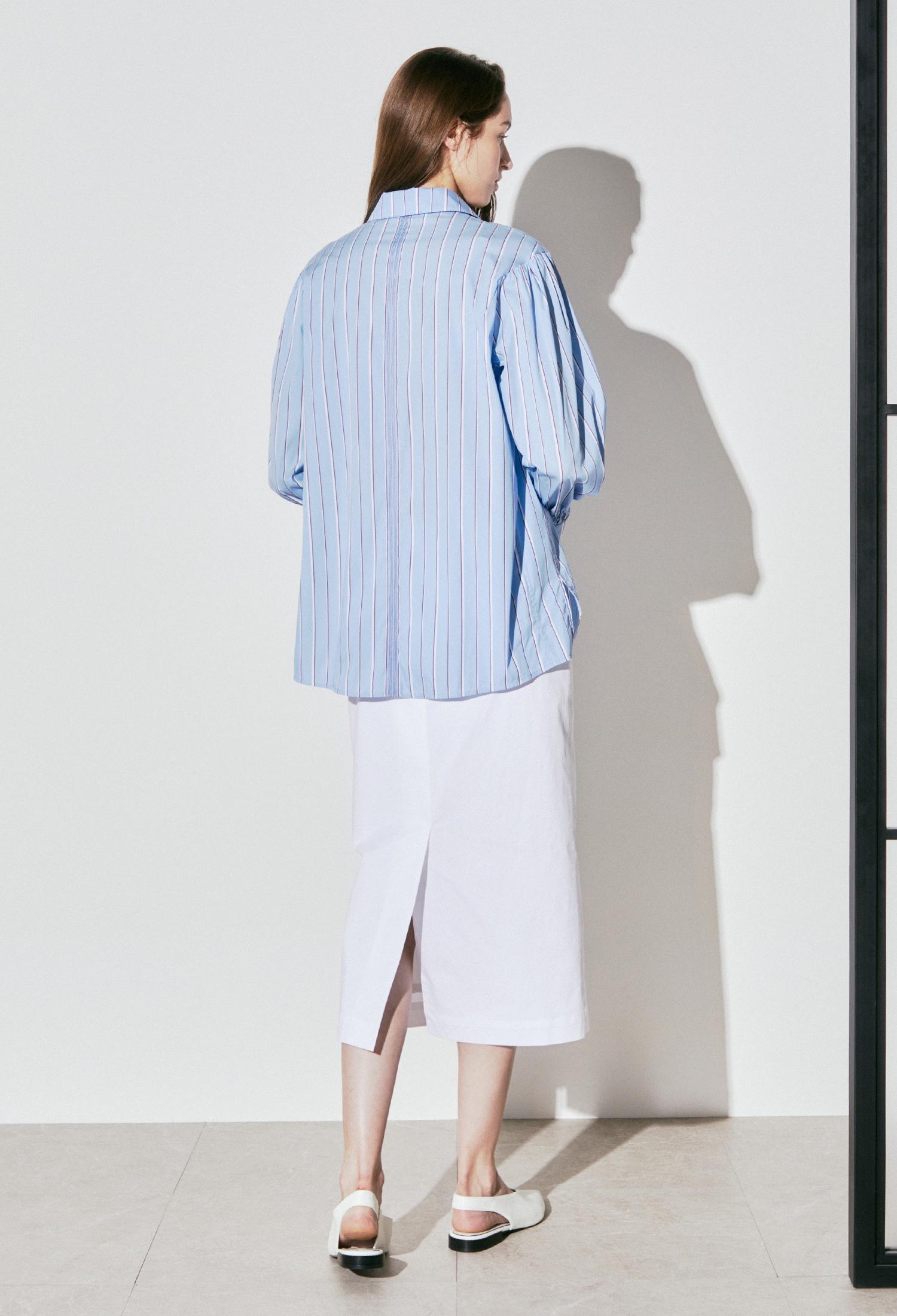 코튼 블렌드 핀 스트라이프 셔츠 (SKY)
